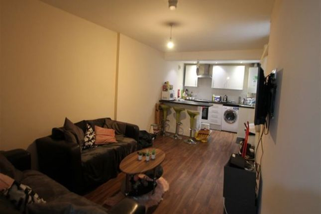 Thumbnail Flat to rent in Kensington Terrace, Hyde Park, Leeds