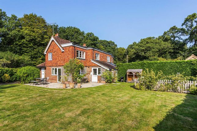 Thumbnail Cottage for sale in Knightons Lane, Dunsfold, Godalming