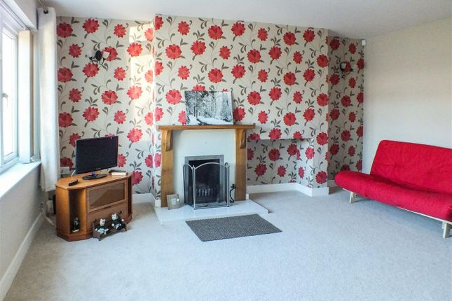 Lounge of Hale Close, Melbourn, Royston SG8