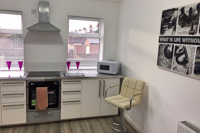 Thumbnail Semi-detached house to rent in Austhorpe Road, Leeds