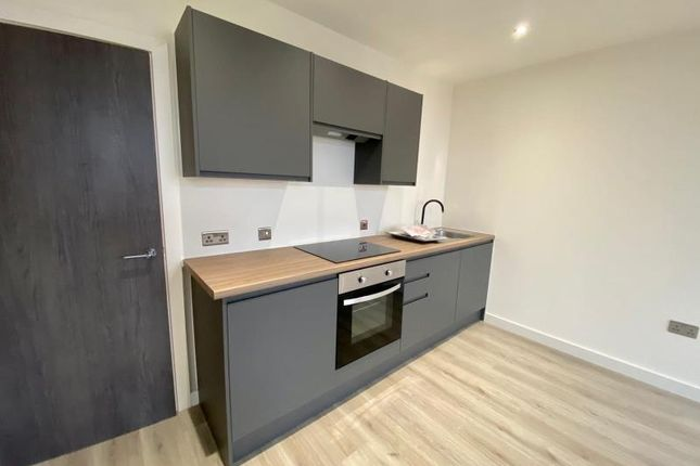 2 bed flat to rent in Apartment 351, Conditioning House, Cape Street, Bradford, West Yorkshire BD1