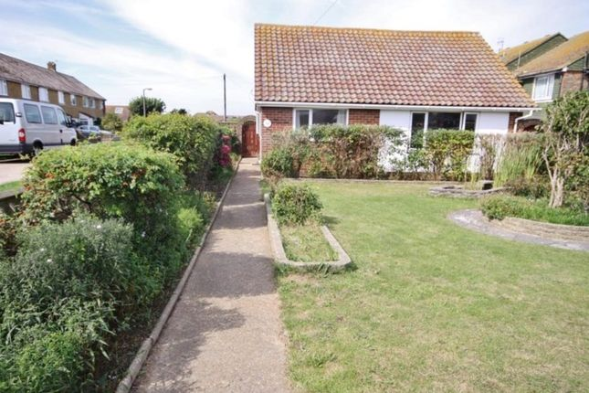 3 bed bungalow to rent in Seaview Road, Peacehaven BN10