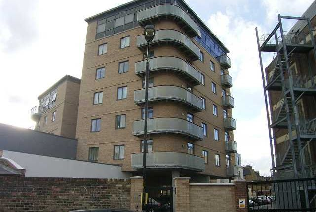 Thumbnail Flat to rent in Peckham Grove, Peckham, London