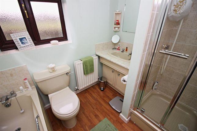 Bathroom of Roehampton Drive, Trowell, Nottingham NG9