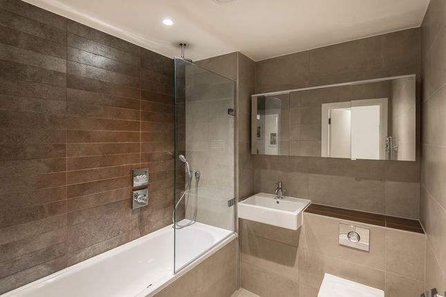 2 bed flat to rent in Atrium Apartments, West Row, Ladbroke Grove