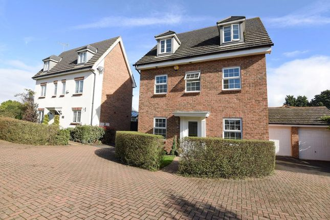 Thumbnail Detached house for sale in Beatty Rise, Spencers Wood