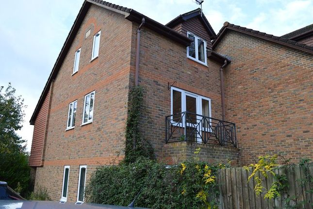 Bell House Gardens Wokingham Rg41 3 Bedroom Town House For Sale 45349783 Primelocation