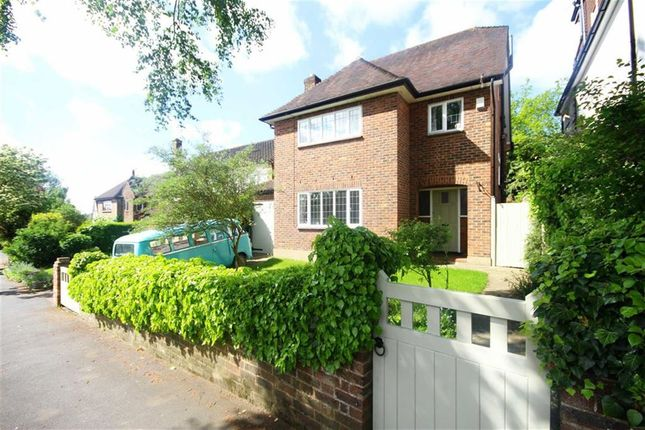 Thumbnail Detached house for sale in East View, Hadley Green, Hertfordshire