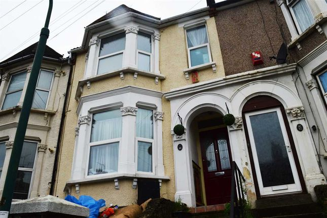 Thumbnail Property to rent in Highview Terrace, Priory Hill, Dartford