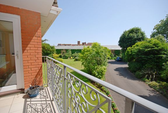 Thumbnail Flat for sale in Redlands, Manor Road, Sidmouth
