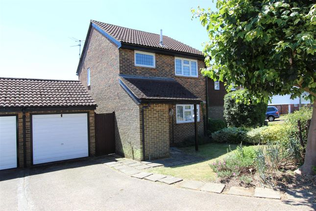Thumbnail Detached house for sale in Oak Green, Abbots Langley, Hertfordshire