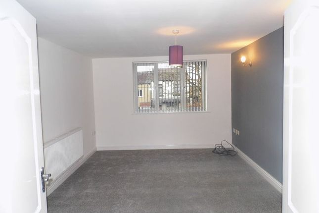 Thumbnail Flat to rent in Leigh Road, Westhoughton, Bolton
