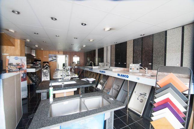 Retail premises to let in Dawley Road, Hayes