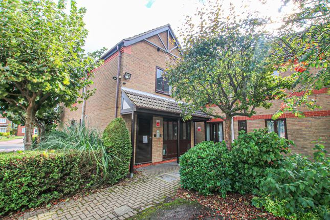 2 bed property to rent in Green Court, Thorpe St Andrew, Norwich NR7