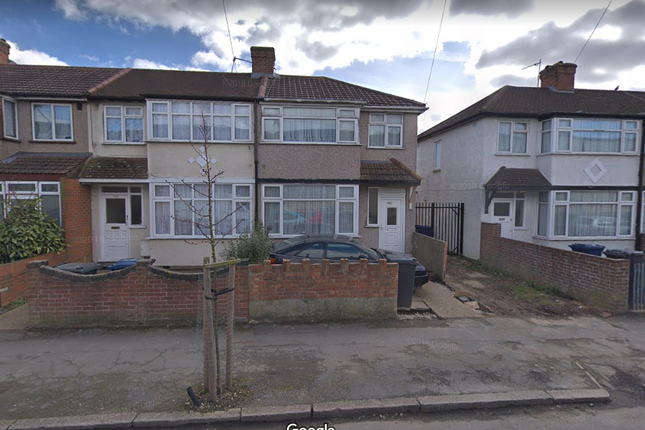 Thumbnail Semi-detached house to rent in Scotts Road, Uxbridge