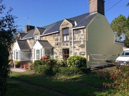 Thumbnail Cottage for sale in Pencaenewydd, Pwllheli, Gwynedd