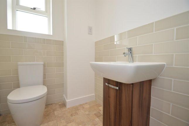Bathroom of Mansion Rise, Ebbsfleet DA10