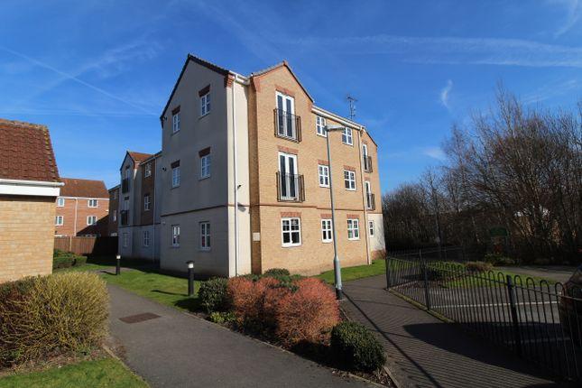 Thumbnail Flat to rent in Redwood Close, Nottingham