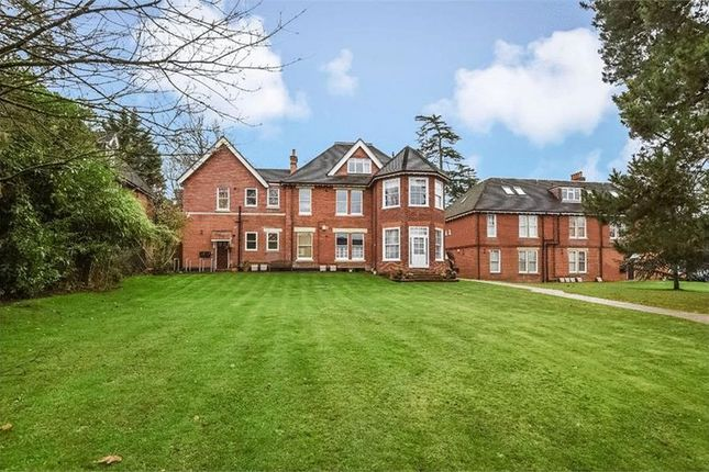 1 bed flat to rent in Upper Park Road, Camberley