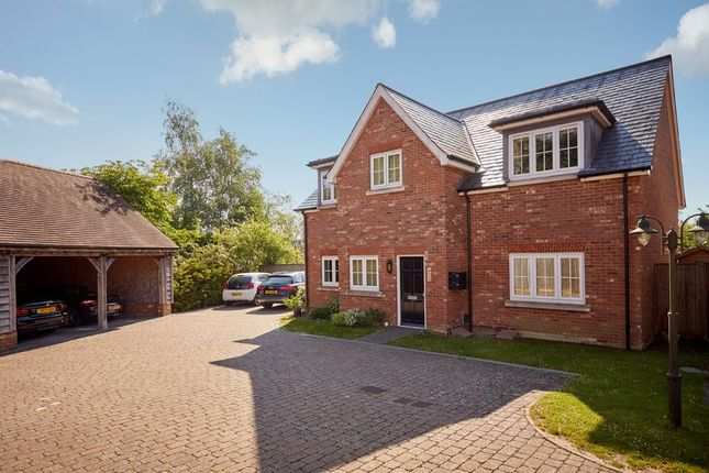 Thumbnail Flat for sale in Great Durgates Close, Wadhurst