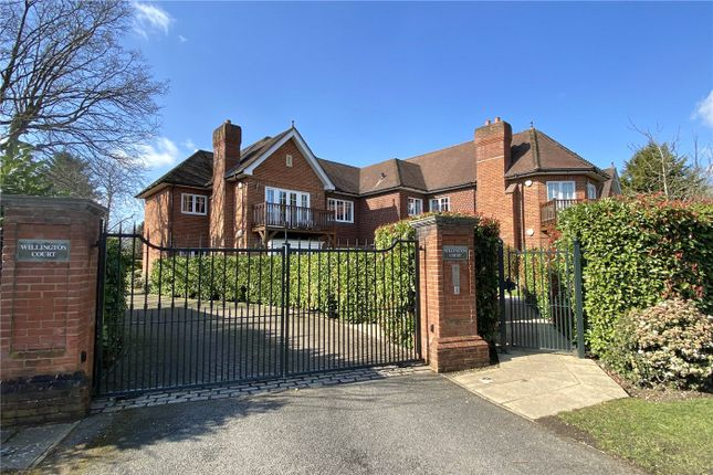 Thumbnail Flat for sale in Willington Court, Station Road, Beaconsfield, Buckinghamshire