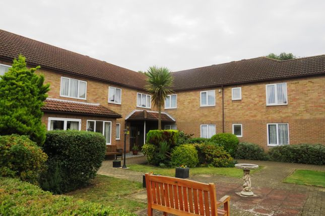 Thumbnail Flat to rent in Coppins Road, Clacton-On-Sea