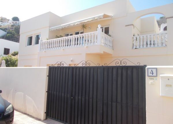5 bed villa for sale in Badgers Sett, Calle Juventud, Spain