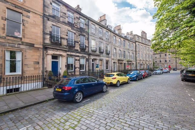 Thumbnail Flat to rent in Royal Crescent, New Town