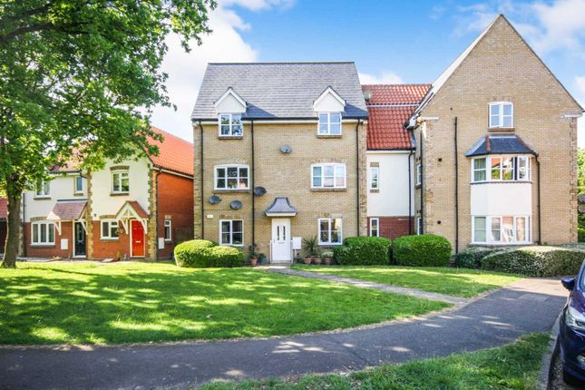 Thumbnail Flat for sale in Bramble Tye, Laindon, Basildon