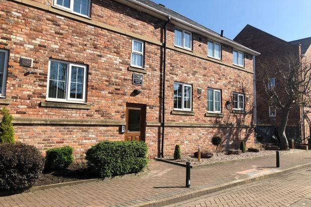 Flats to Let in Rivacre Valley Primary School, Cheshire