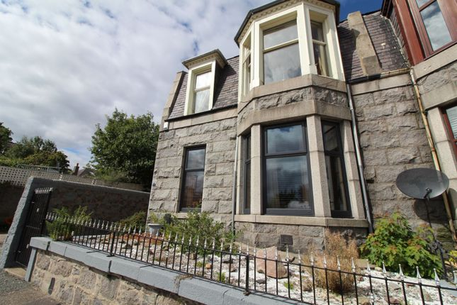 Thumbnail Flat for sale in Clifton Place, Aberdeen