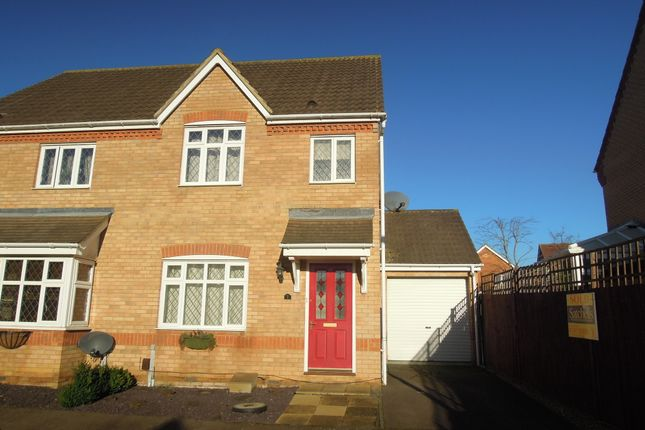 Thumbnail End terrace house to rent in Windmill View, Biggleswade