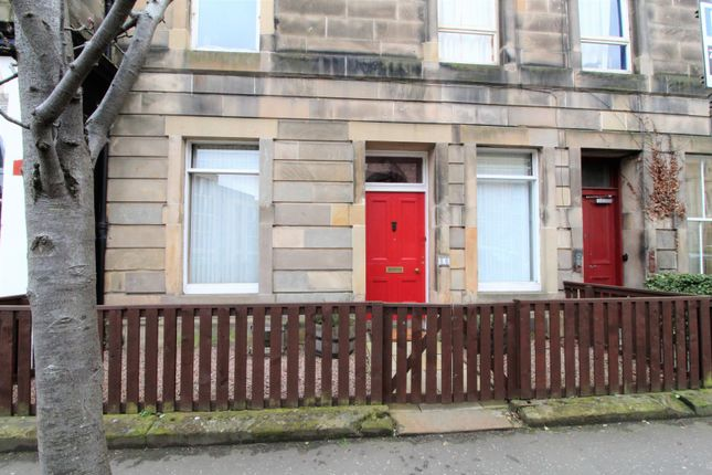 Thumbnail Flat for sale in Lutton Place, Edinburgh