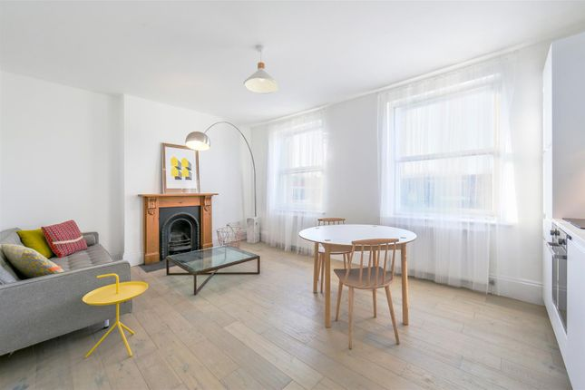 Thumbnail Flat for sale in Archway Road, Highgate