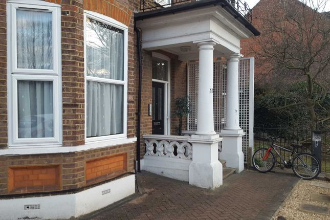 Thumbnail Flat to rent in New Bedford Road, Luton