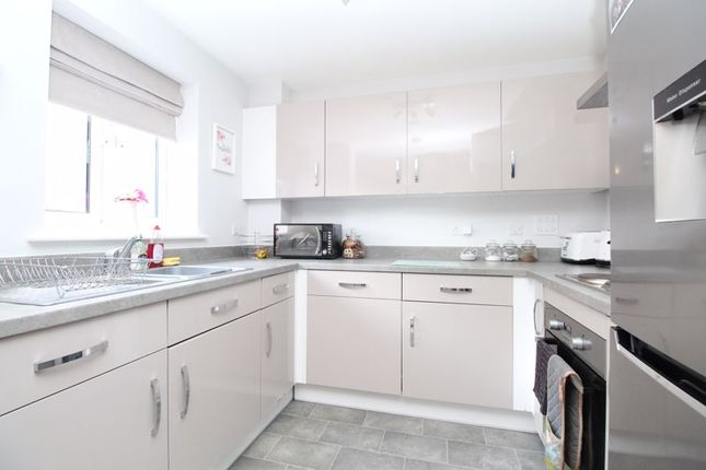 Thumbnail Maisonette for sale in Norcott Mead, New Cardington