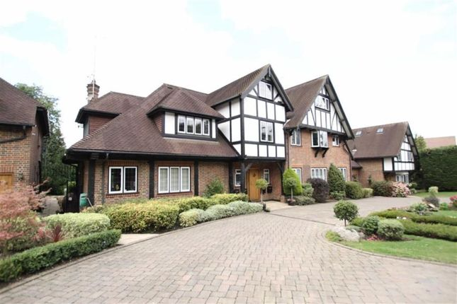 Thumbnail Flat for sale in Cockfosters Road, Barnet