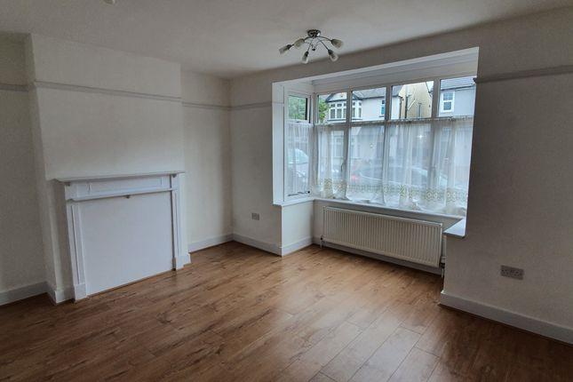 Thumbnail Flat to rent in Norfolk Road, Romford