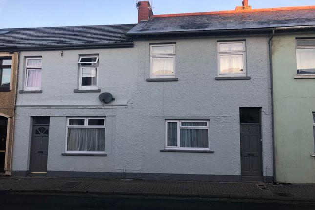 Flat to rent in Francis Terrace, Llanharan, Pontyclun