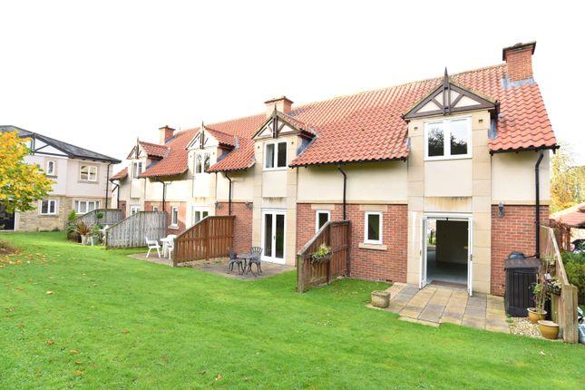 2 bed flat for sale in Garden Court, Hollins Hall, Hampsthwaite