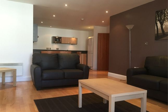 Thumbnail Flat to rent in Clarence Street, Staines