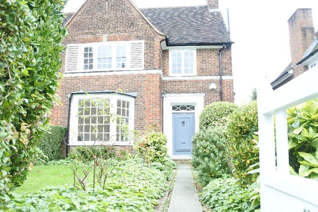 Thumbnail Property to rent in Gurney Drive, London