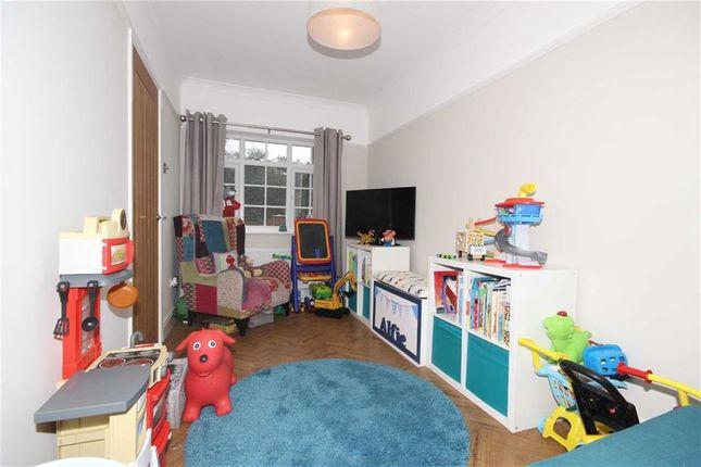 hazelhurst road worsley manchester m28 4 bedroom semi. Black Bedroom Furniture Sets. Home Design Ideas