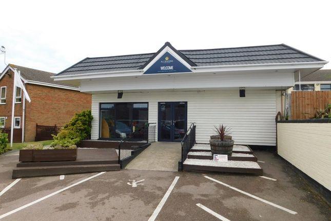 Waterside Park Corton Lowestoft Nr32 2 Bedroom Terraced Bungalow For Sale 47463281