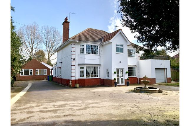 Thumbnail Detached house for sale in Beverley Road, Dunswell