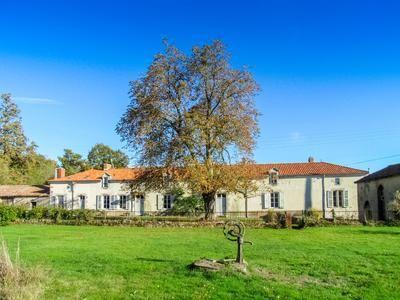 Thumbnail Equestrian property for sale in Mouterre-Sur-Blourde, Vienne, France