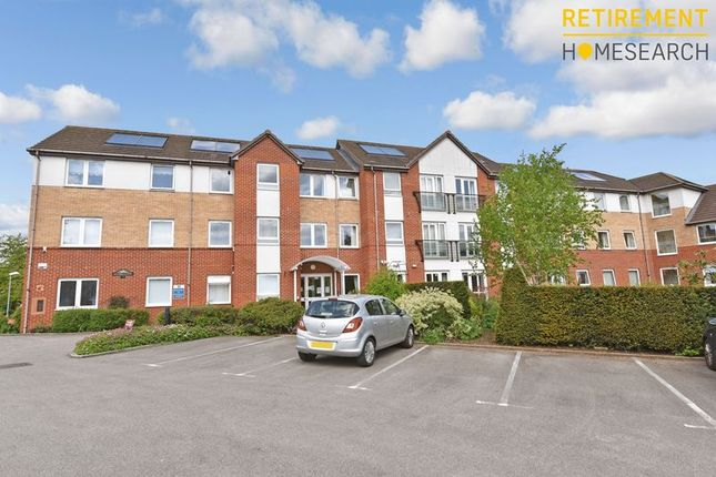 Thumbnail Flat for sale in Hughes Court, Luton