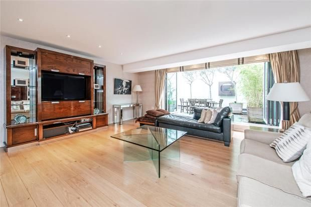 Thumbnail Flat to rent in Brompton Place, Knightsbridge, London