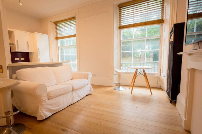 Thumbnail Flat to rent in Rochfort Place, Bath