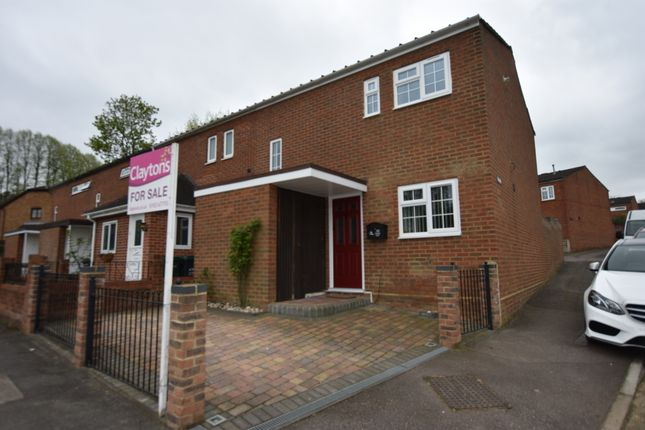 2 bed end terrace house for sale in Jacketts Field, Abbots Langley